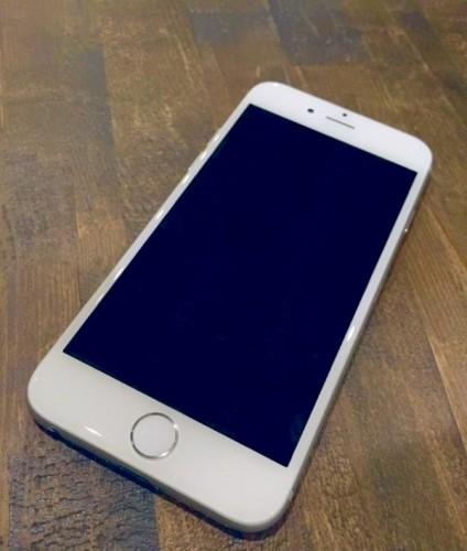 新機種が発売されたり、iOS8がリリースされたり、ますます進化しているiPhoneですが…。 (photo by 写真AC)