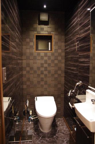 楽しい空間壁紙を変えるだけで素敵なトイレにに投稿された画像no6