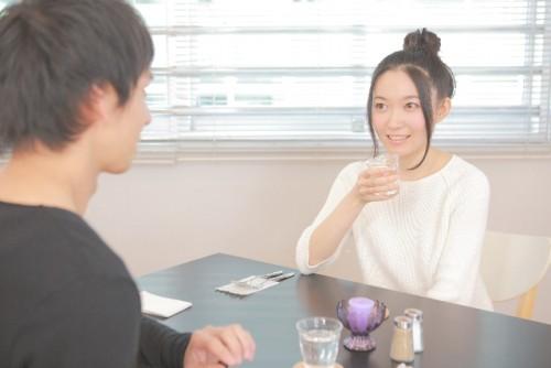 カフェ、男女、会話